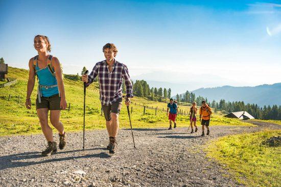 Wandern im Sommerurlaub in Flachau, Österreich